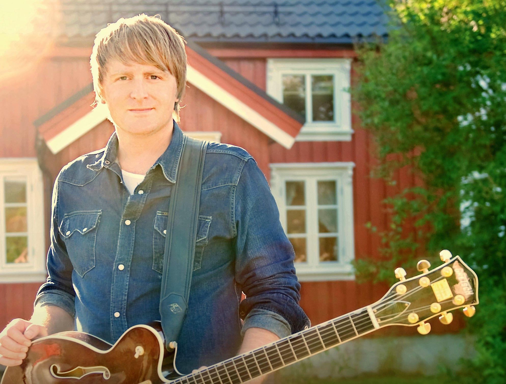 KOR ARTI'-SANGEN: Askil Holm har komponert sangen Kor Arti', som inngår i høstens Kor Arti'-repertoar.